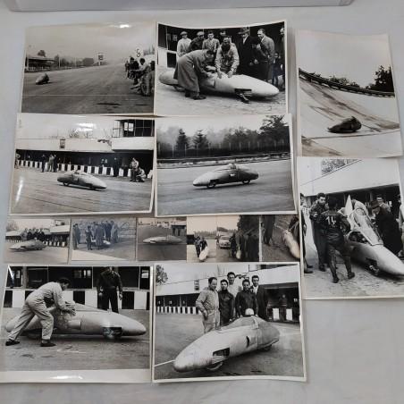 Lotto di 14 foto originali e anni 50 in bianco e enero di moto da record