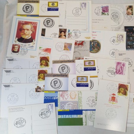 Lotto di 44 tra cartoline postali e buste primo giorno filateliche vari soggetti