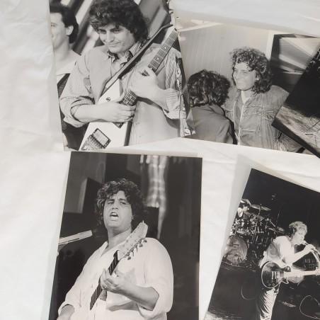 PINO DANIELE Lotto di 5 fotografie di agenzia 17x24 cm