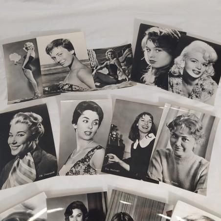 Lotto di 13 cartoline con foto di attrici anni 60
